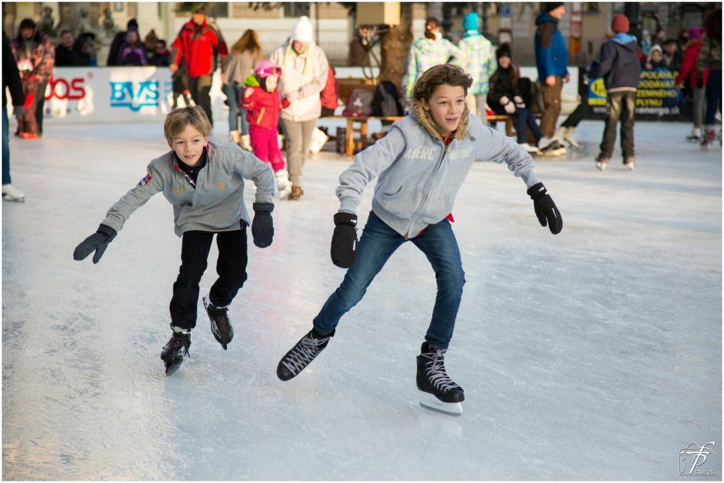 kids ice skating picture description for speech therapy aphasia, motor speech, visual neglect