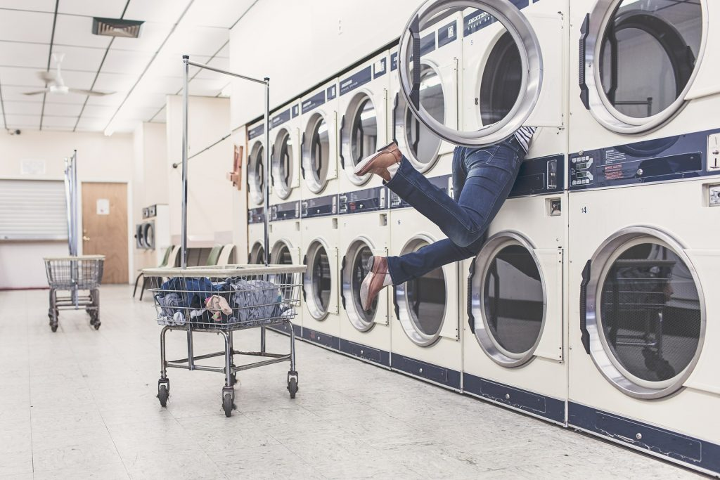laundromat picture description for speech therapy aphasia, motor speech, visual neglect
