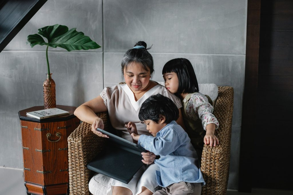 kids reading picture description for speech therapy aphasia, motor speech, visual neglect